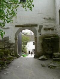 Roštejn, vstupní brána hradu