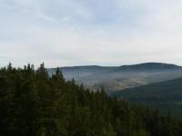 Sedlo, pohled z rozhledny na Javornickou hornatinu