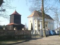 Borohrádek - kostel sv. Michaela Archanděla s dřevěnou zvonicí