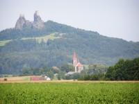 Trosky a kostel v Újezdu pod Troskami