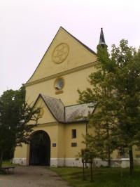 Rovensko pod Troskami - kostel