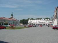 náměstí a severní fronta domů