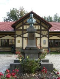 Sedmihorky - pomník zakladatele lázní Mudr. Šlechty