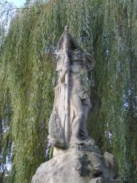 Lomnice nad Popelkou - pomník obětí válek