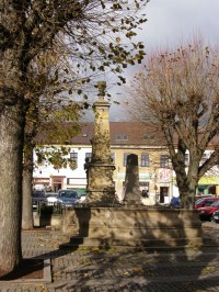 Lomnice nad Popelkou - kašny na Husově náměstí