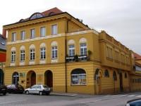 Police nad Metují - Pellyho domy