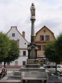 Žulová - mladší, žulový sloup se sochou Panny Marie