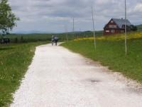 cesta k Pražské boudě - v pozadí Ještěd