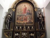 Králíky – kaple Dušiček s kostlivci