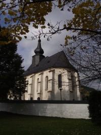 kostel v Bratrušově
