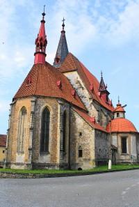 Chvalšiny - kostel sv. Máří Magdalény, klenot pozdní gotiky