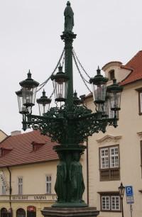 Praha – Hradčany - historický kandelábr v Loretánské ulici