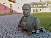 Šumperk – socha Klementa Gottwalda