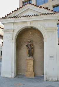 výklenková kaple se sochou sv. Václava
