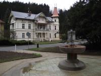 Luhačovice - pramen Dr. Šťastného (Gejzír)
