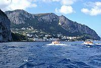 Výlet lodí okolo ostrova Capri