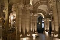Madrid – krypta katedrály Panny Marie  (Cripta de la Almudena)