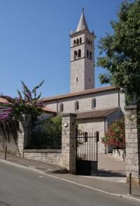 klášter s nejvyšší stavbou v Pule