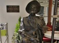 Pula – pomník Jamese Joyce  (spomenik Jamesu Joyceu)