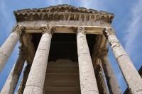 Pula – antický chrám císaře Augusta a bohyně Řomy  (Hram Rome i Augusta)