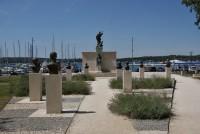 Pula - památník padlých a obětí fašismu  (Spomenik poginulim i žrtvama fašističkoga terora)