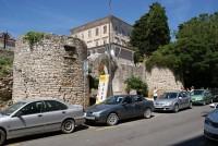 Pula - městské hradby a římské brány (Gradske rimske zidine i vrata)