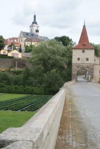 Stříbro – kamenný most s mostní bránou