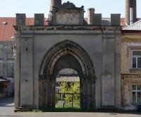 Klášter Hradiště nad Jizerou – portál opatského chrámu