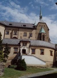 nejtradičnější pohled na hrad z jihozápadu