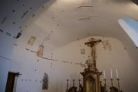 apsida s freskami
