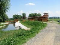 Nová dřevěná budova přístavu Skalica