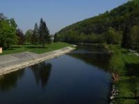 Řeka Bečva poblíž teplických lázní