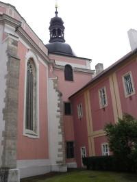 kostel panny Marie a sv. Karla Velikého na Karlově