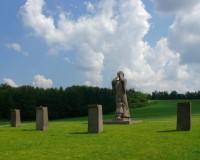 Sochařská výzdoba pietního území