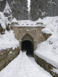 Horní portál tunelu Švarcenberského kanálu
