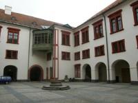 Hlavní nádvoří zámku