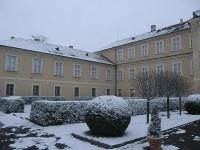 Sníh ještě více zdůrazní půvab hořovického zámku