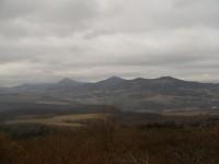 výhled ze Strážiště - Milešovka, Kletečná, Kubačka