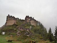 Zřícenina hradu Ehrenberg.