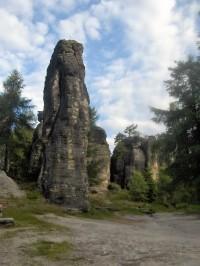 Z Tiských skal k hraničnímu kameni Zifferstein.