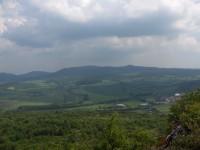 Pohled z Bořně na Hradišťany a Ostrý