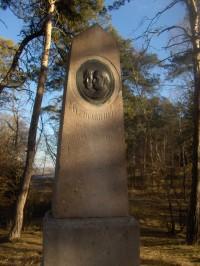 pomník Eduarda Bayera