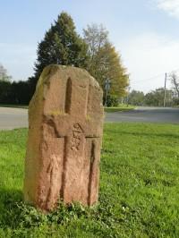 smírčí kámen u kapličky Žernovník