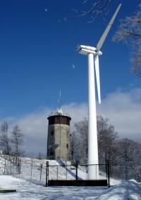 rozhledna Fr.Josefa I. a větrná elektrárna