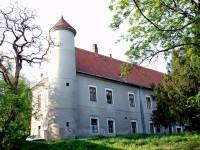 Hrubčice bývalý zámek - dnes obecní bytovka