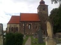 Plaňany románský kostel