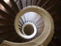 Točité schody na kůr