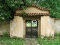 Vchod na hřbitov