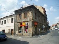 Dům naproti škole na Komenského náměstí