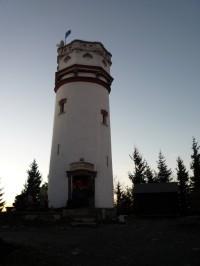 Biskupská kopa u Zlatých Hor - rozhledna (JE)